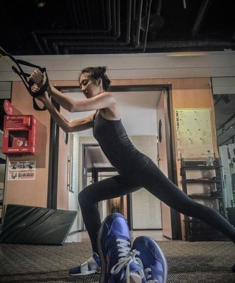 国外肌肉锻炼视频_时尚养生肌肉锻炼留住青春不是梦今日关注南