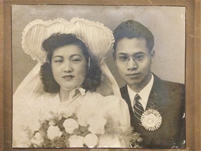 520九旬老人晒72年前结婚照 当年大户千金嫁书生(图)