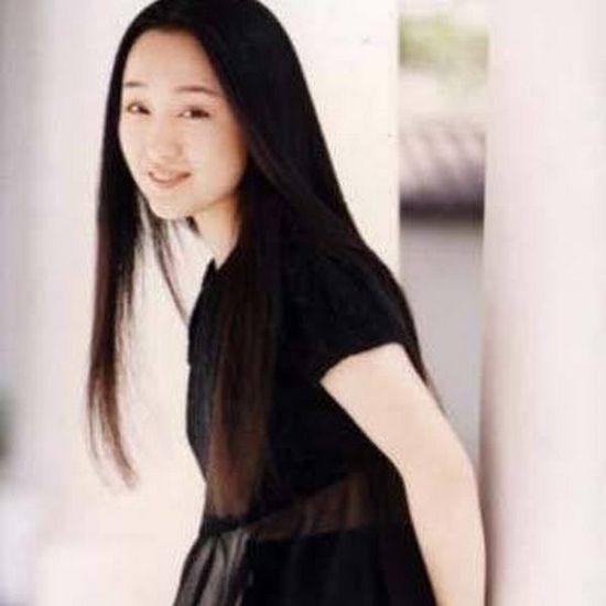 周迅骨感美 揭中韩女星真实身高体重