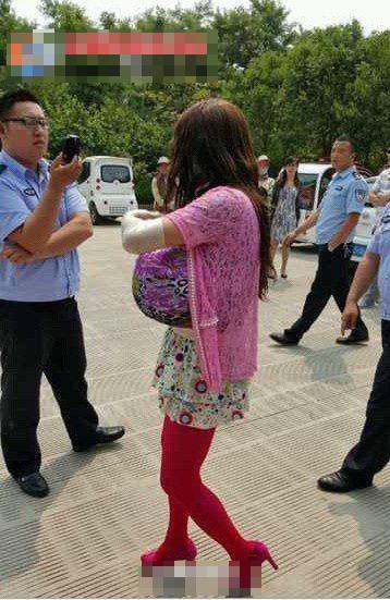 山�|男子假扮巨胸女到女��偷�Q 被拘留