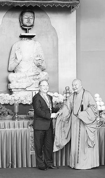 千年释迦牟尼佛像在台合璧 星云大师捐佛首