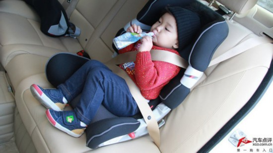 父母必须会 儿童安全座椅实际操作图解