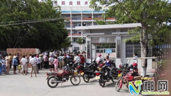 东方职业学校一16岁女生坠楼死亡