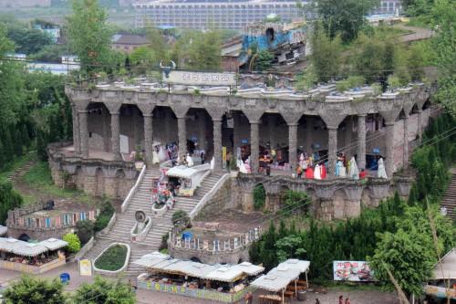 """重庆现""""最牛厕所"""" 造型如中世纪城堡"""