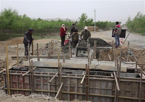 互助县佑宁寺旅游公路正在修建