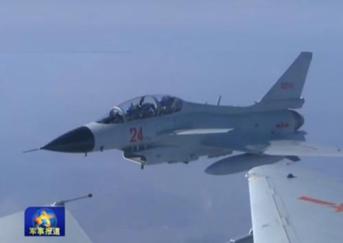 中国海军新飞行员跳过二代机直接改装歼-10(图