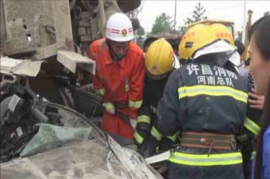 祸从天降人命危 许昌鄢陵消防危急时刻急救援