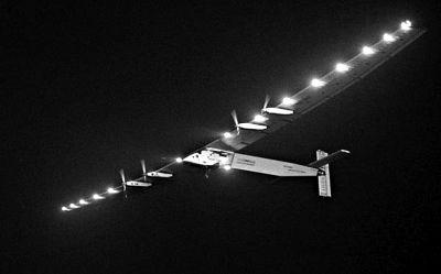 """5月31日凌晨,""""阳光动力2号""""在南京安静起飞,飞向太平洋。"""
