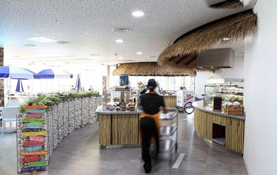 英国最酷办公室:员工可享露天影院室内沙滩(高清)【13】