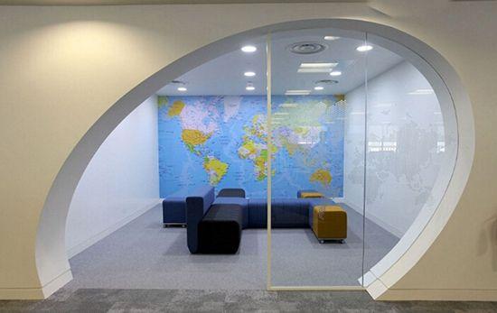 英国最酷办公室:员工可享露天影院室内沙滩(高清)【8】