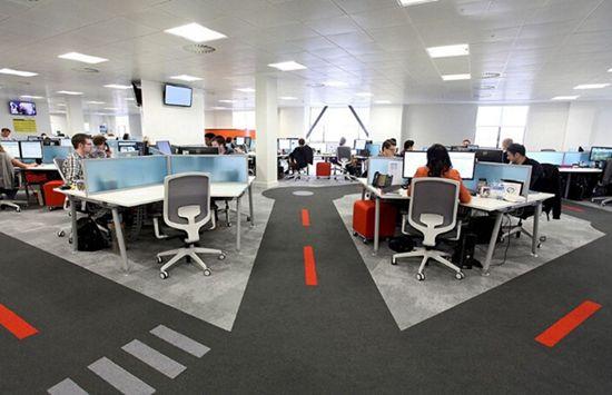 英国最酷办公室:员工可享露天影院室内沙滩(高清)【11】