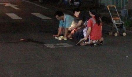 2岁男童街头被撞身亡 11岁哥哥目睹现场嚎啕大哭