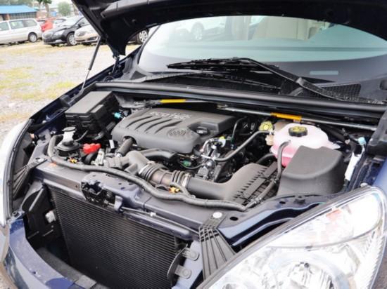 别克  2.4L 自动 发动机主体特写