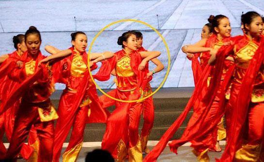 杨子女儿舞蹈表演照曝光 未来或将进娱乐圈