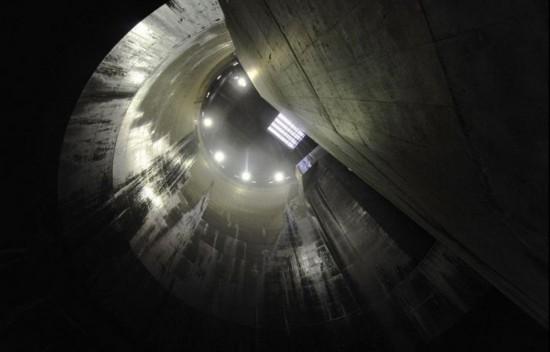 """日本排水系统堪称泄洪""""地下神殿""""(组图)"""