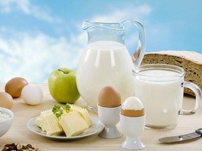牛奶营养价值高 但夏季四类人不能喝牛奶