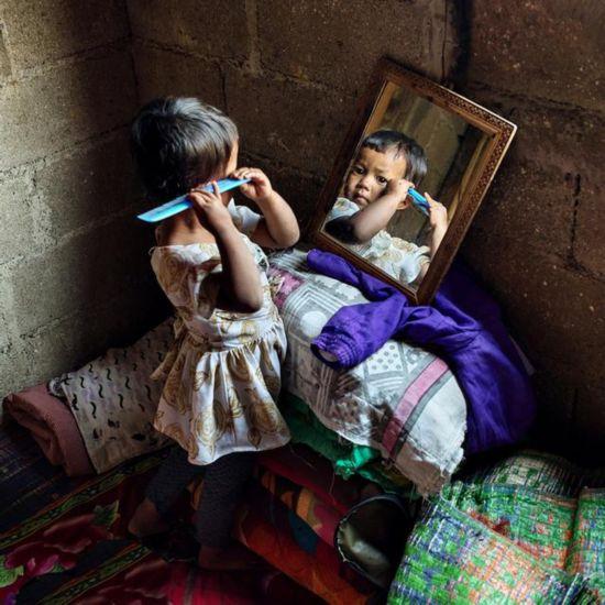 摄影师拍印度母系氏族部落:生男孩被认为不吉