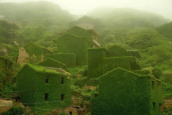 实拍被大自然吞没的中国渔村