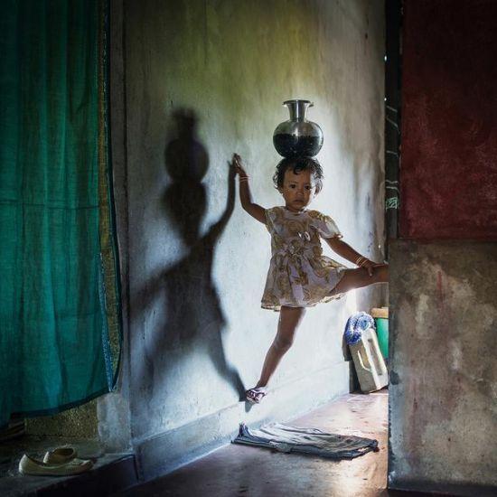 摄影师两年时间拍摄印度母系氏族部落