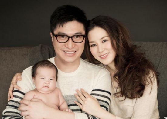 徐子淇24岁做妈妈