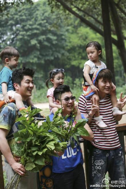 爸爸回来了第二季甜馨吻嗯哼 贾乃亮PK杜江惨败郑钧开唱