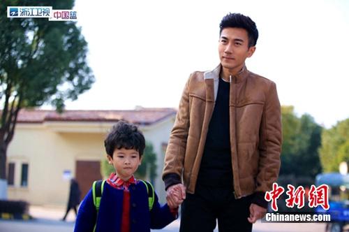 刘恺威最擅长给女儿换尿布杨幂两次探班丈夫(图)