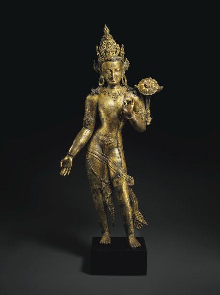 尼泊尔 十三世纪 鎏金铜观音立像