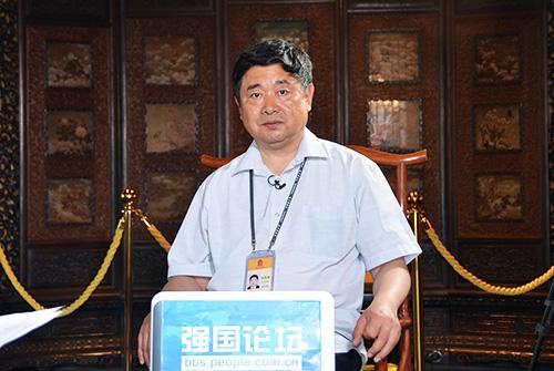 故宫博物院院长单霁翔做客人民网强国论坛进行专访。