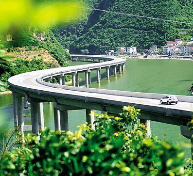 """三峡库区""""水上公路""""即将通车(图)"""