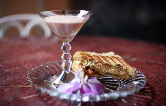 纽约餐厅打造世界最贵三明治 售价逾千元