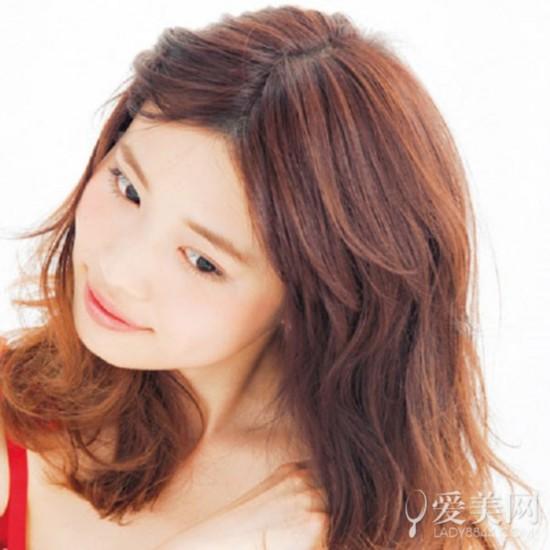 刘海怎么扎好看 两款发型清爽吸睛