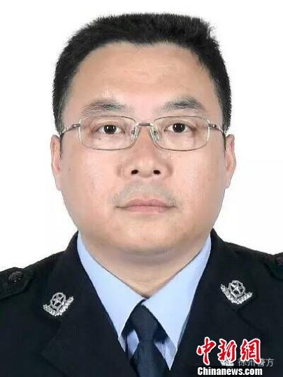 徐州一民警执勤时遭遇货车撞击致当场殉职