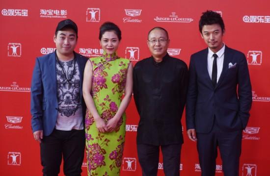 芦芳生儒雅亮相上影节 《1980年代的爱情》入围