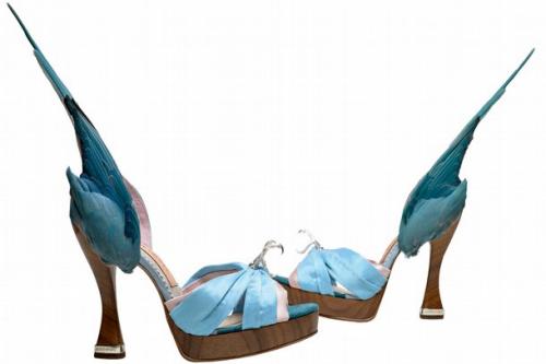 图为参展的鞋子。