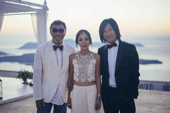五月天成员玛莎办婚礼李宗盛穿西装现身(图)