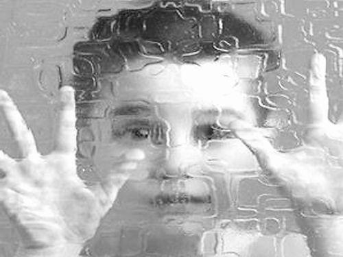 以不同的方式看世界  嬰兒卓越知覺或預示孤獨症