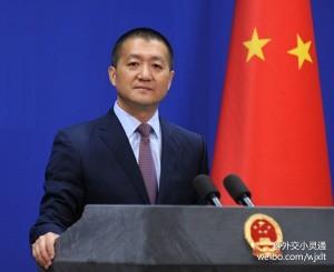 外交部第29任发言人陆慷亮相曾任驻美使馆副馆长