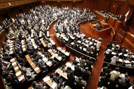 日媒:日本国会乱象频生各党就安保法激烈博弈