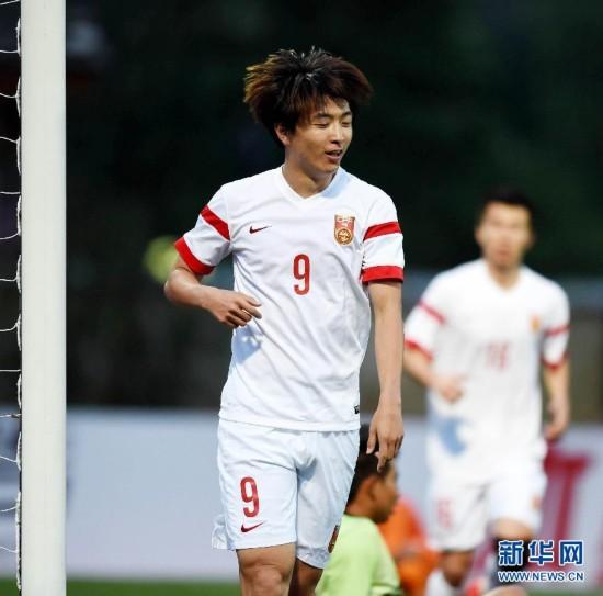 (体育)(17)足球--世预赛:中国对阵不丹