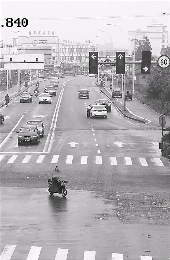 钱江600摩托车视频_摩托车