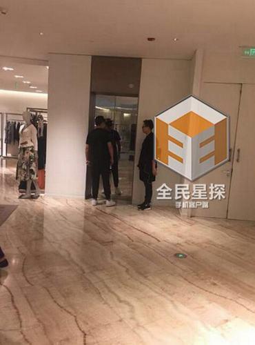 陈赫张子萱逛街恋情见光 爱情公寓主演现状:娄艺潇绯闻