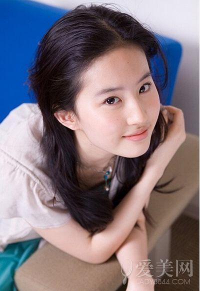 劉亦菲鄭爽陳意涵 天生少女顏的女星們