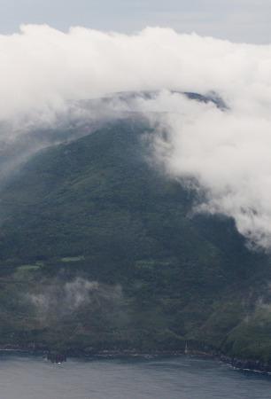 日本口永良部岛火山喷发政府发布最高级别预警
