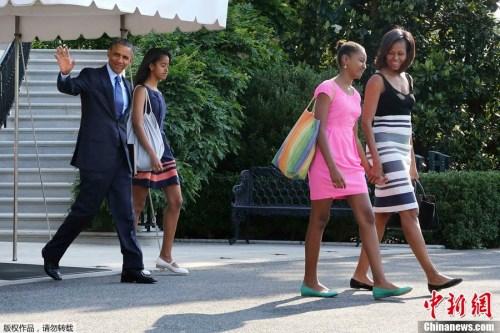 奥巴马夫妇与两个女儿。