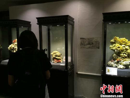 """浙江青田石雕成""""花""""传承人盼互联网+艺术"""