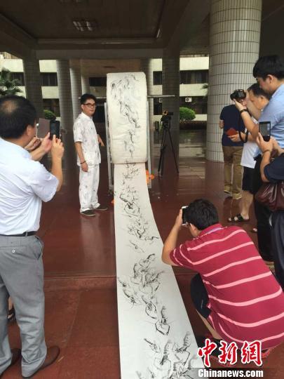 粤画家绘4千米国画长卷拟申报吉尼斯世界纪录