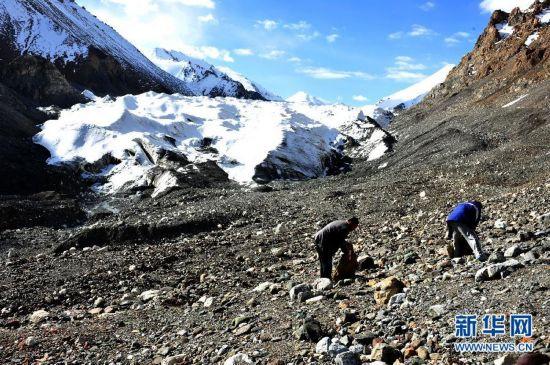 (生态)(4)甘肃境内祁连山冰川面积近10年减少36平方公里