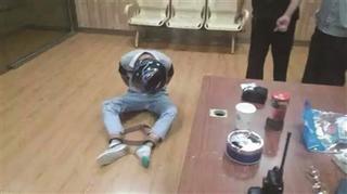 南京肇事宝马司机下车画面曝光(图)