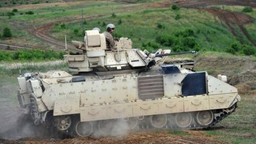 美国宣布将在东欧新部署重型武器俄罗斯批评(图)