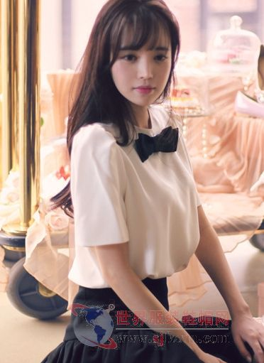 套装裙子气质绝美 风格不乱造型出众